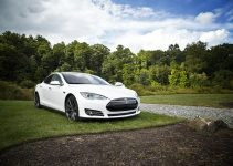 Positives and negatives of electric cars